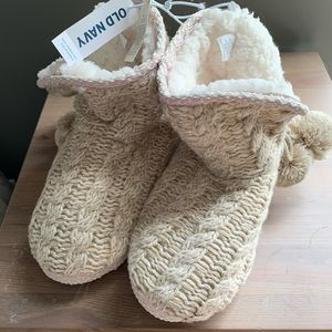 NWT 🎁 Old Navy Cozy Knitted Slippers S (5-6)